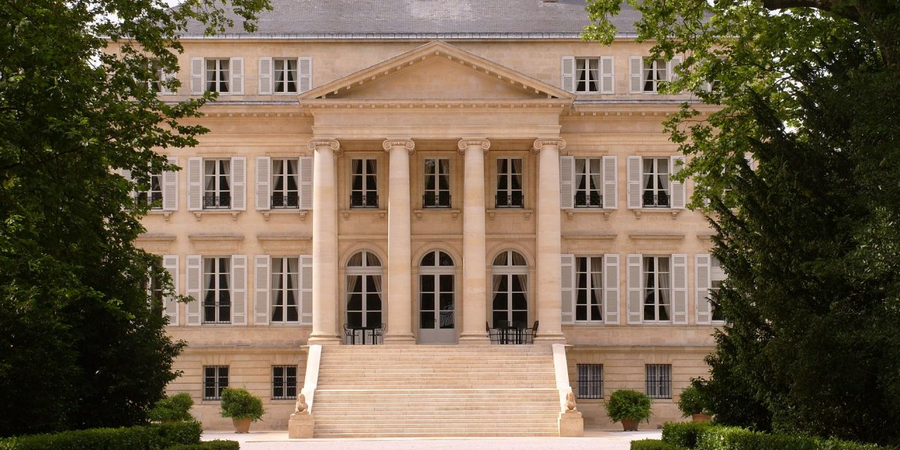https://lafinancieredupatrimoine.com/wp-content/uploads/2021/01/chateau-margaux-459568_1920-1280x640.jpg